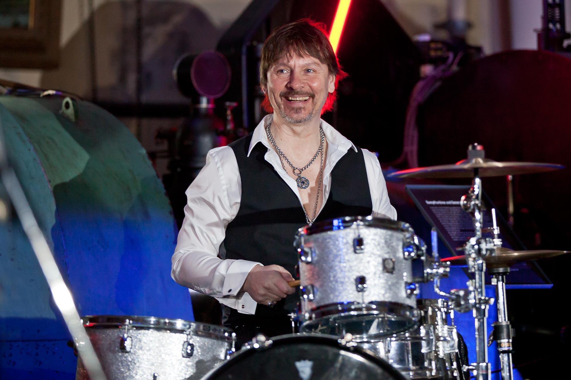Dirk Rosenbaum - Drums - Cool Chocolate Coverband